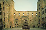 Linlithgow Palace (Courtyard and Fountain)