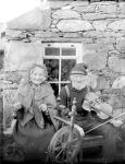 Andrew Mouat and Mam Naunie in Unst, Shetland around 1904