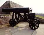 Gun and carriage on display at Fort George