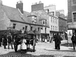 A coal cart turning into High Street, Perth, at the end of the 19th century