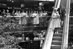 Queen opens Waverley market 1985